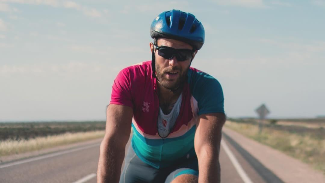 Vegan Cyclist Breaks 6,800 Km Record on Hash Brown Diet