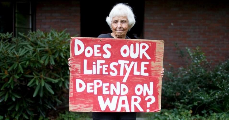 'Trailblazer in the Name of Peace': Anti-War Hero Frances Crowe Dies at 100